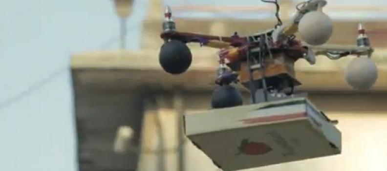 Drone recapita la pizza a domicilio come un vero fattorino.Video.